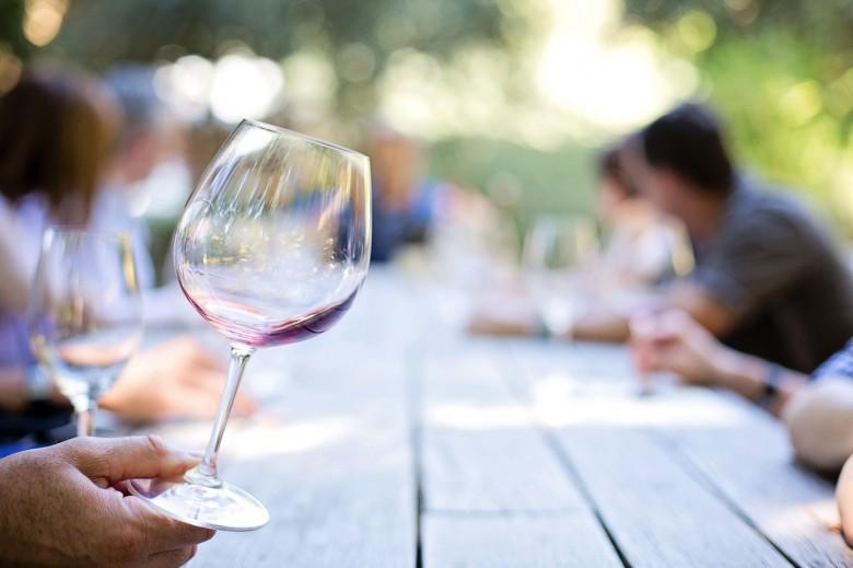 Beruf + Berufung: Von drei brotlosen Jobs zum erfolgreichen Bio-Wein-Händler