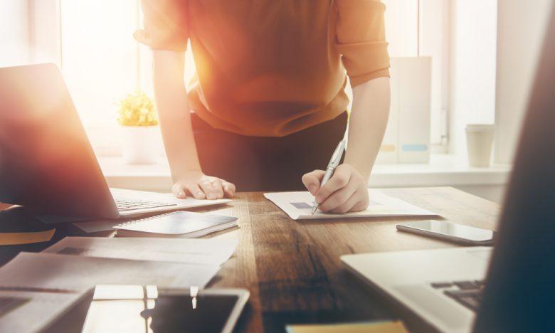 Selbstständigkeit vs. Angestelltenverhältnis: Was passt besser zu dir?