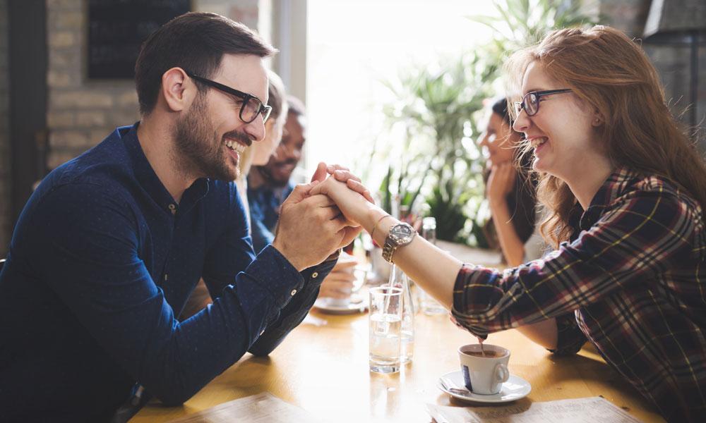 Beziehungen am Arbeitsplatz: Worauf du achten solltest