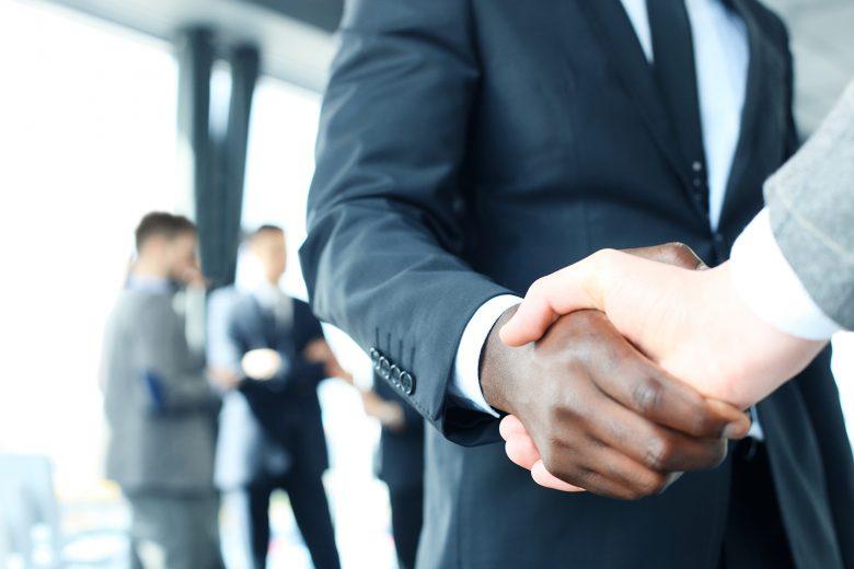 8 Tipps rund um Mimik und Gestik beim Bewerbungsgespräch