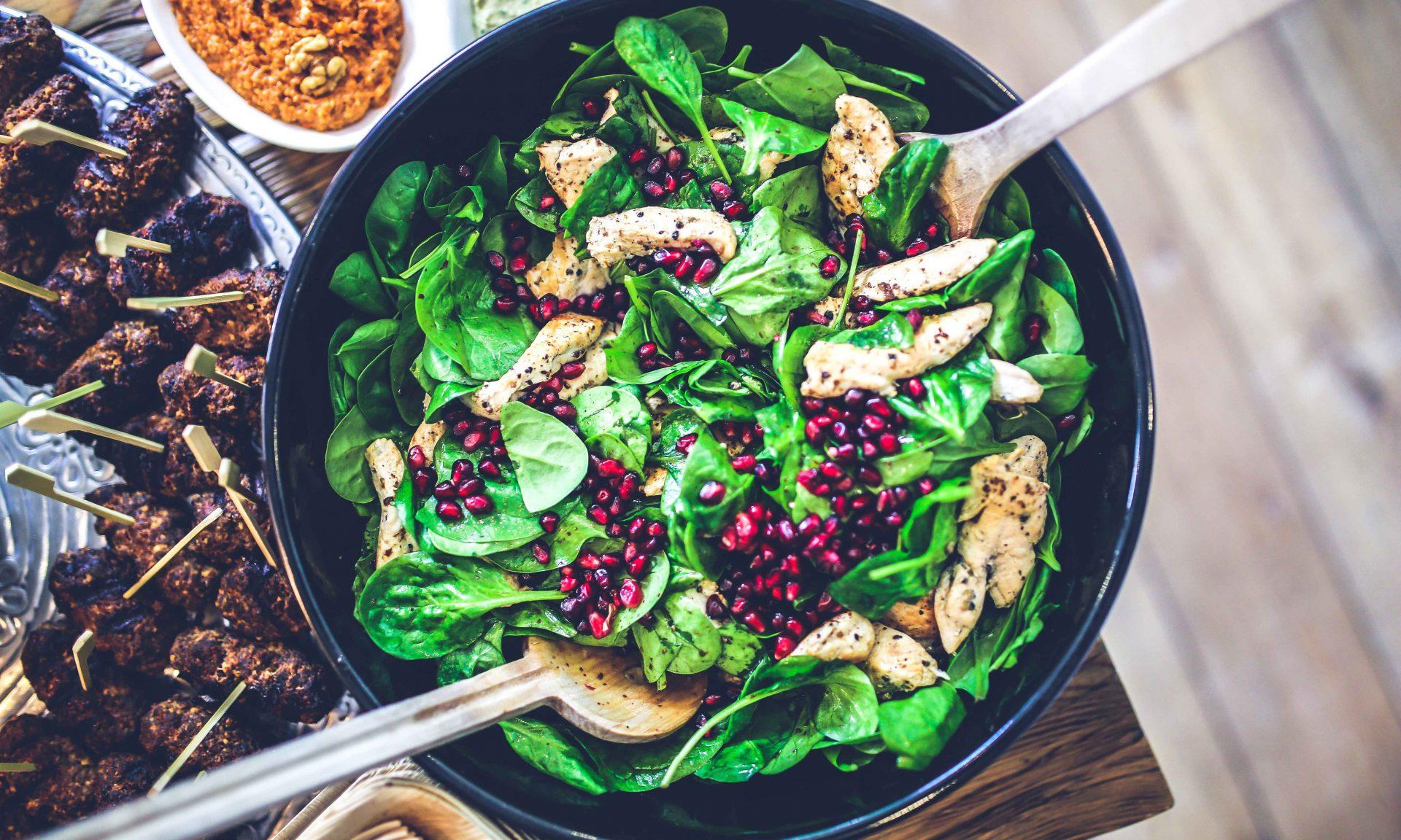6 Tipps für eine gesunde Mittagspause + Rezept